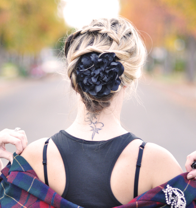 8 Christmas Hairstyles You'll Love To Try